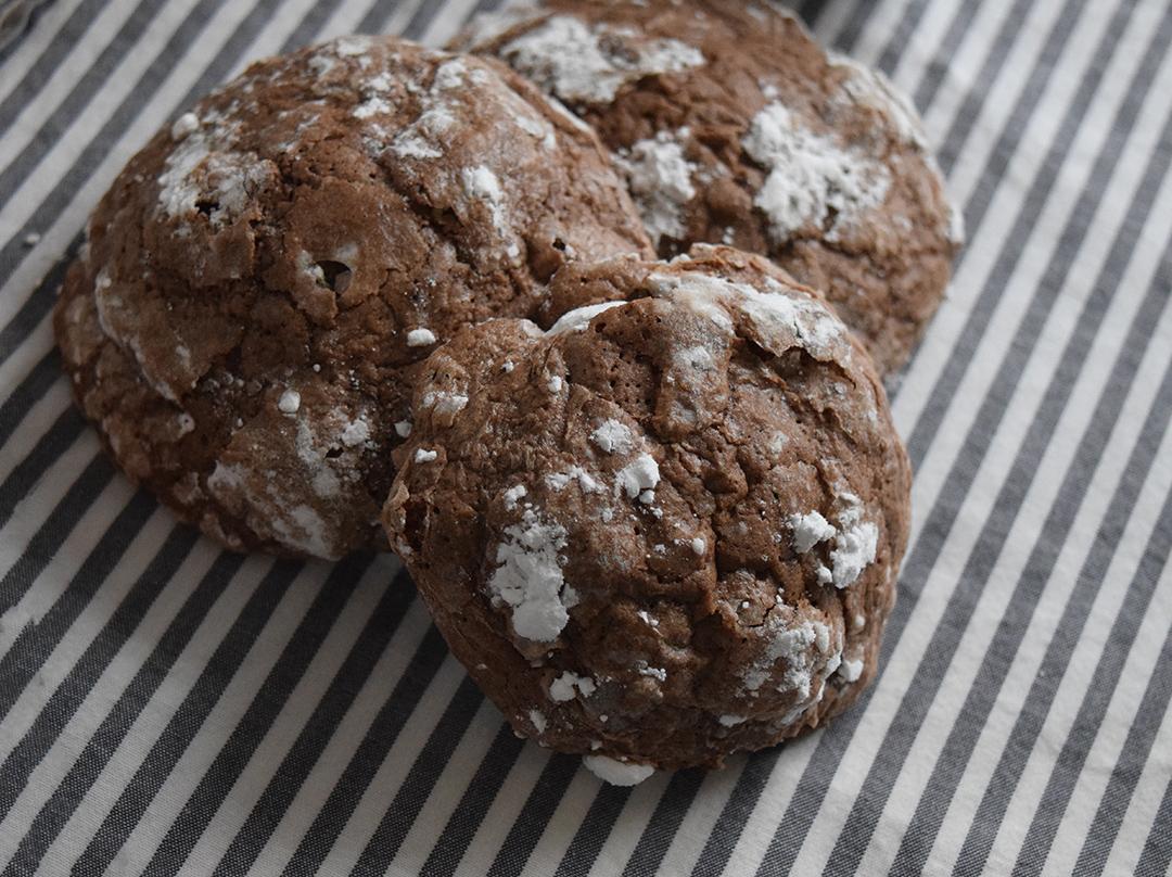 Buckwheat and chocolate crinkles recipe